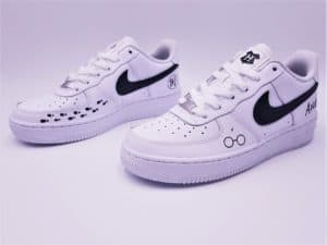 Nike AIR FORCE 1 harry Potter réalisée par ATPIK custom sneakers pour julinfinity. Atelier de customisation de sneakers