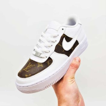 Des Nike Air Force 1 Custom avec de la toile Louis Vuitton par ATPIK Custom Sneakers.